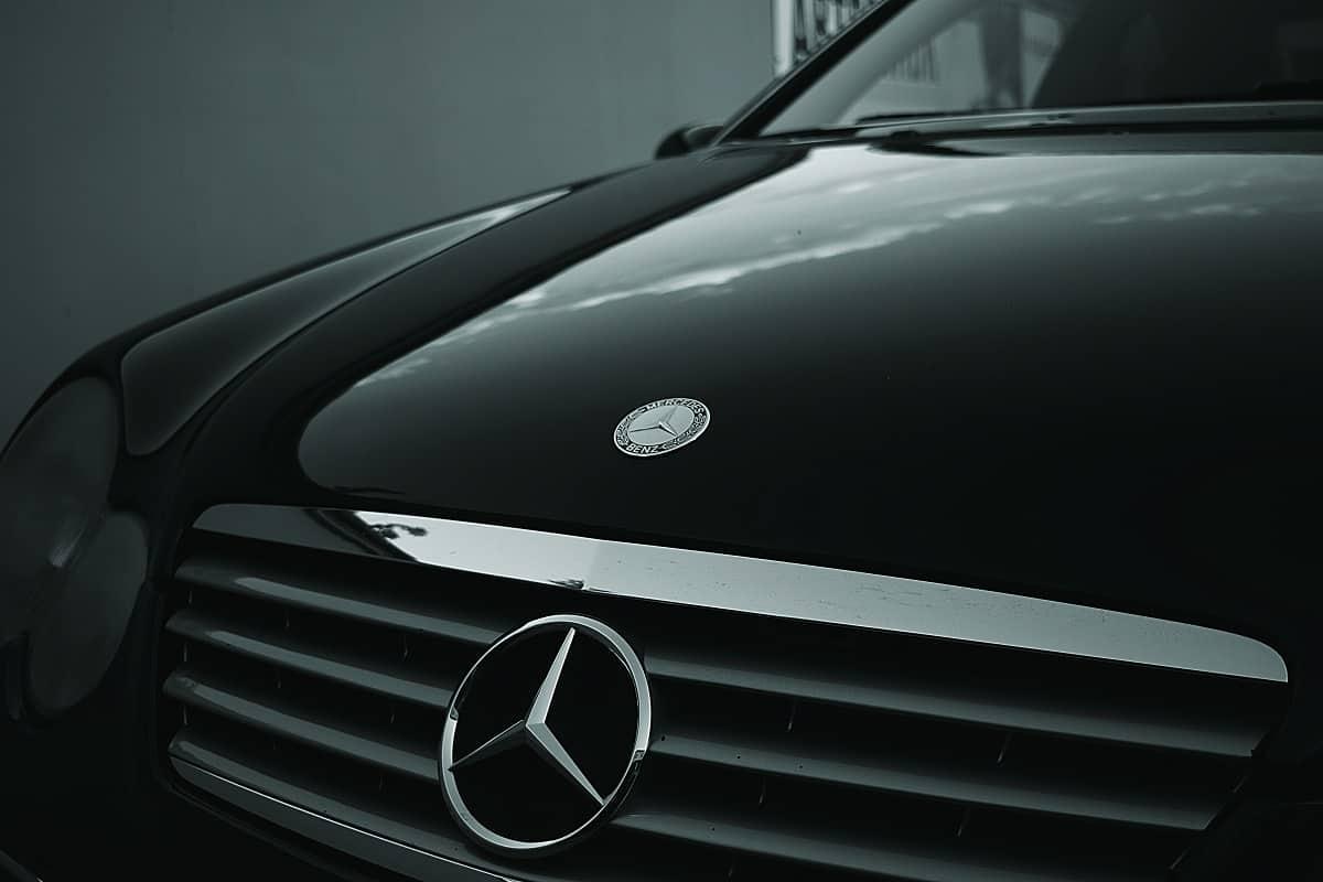 How to make a black car shine